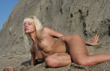 Blonde Nude on the Beach 09