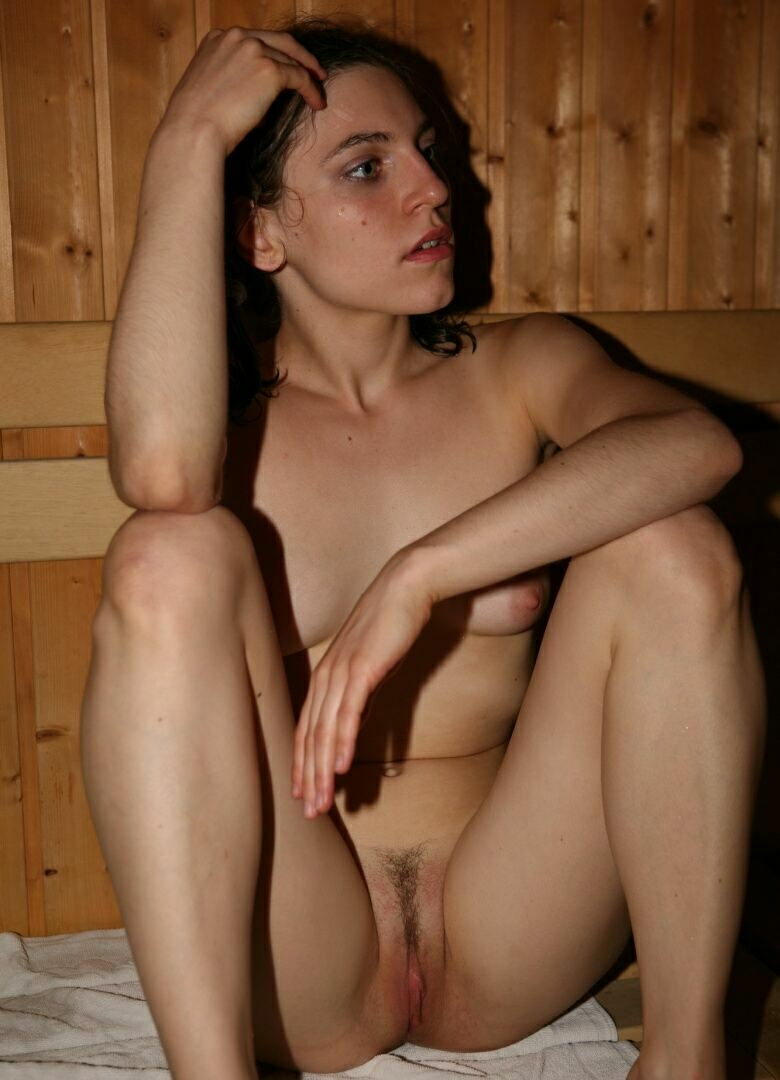 Nude Black Girl In Sauna