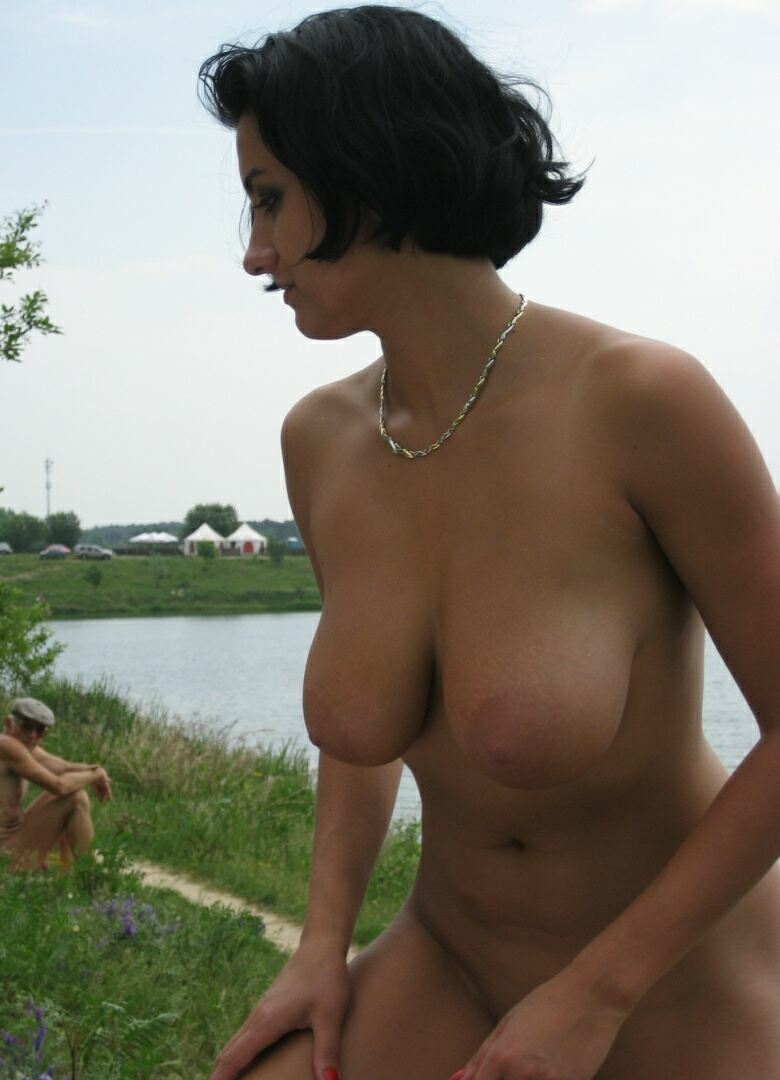 Girlfriends Nudists Lake Tour 08
