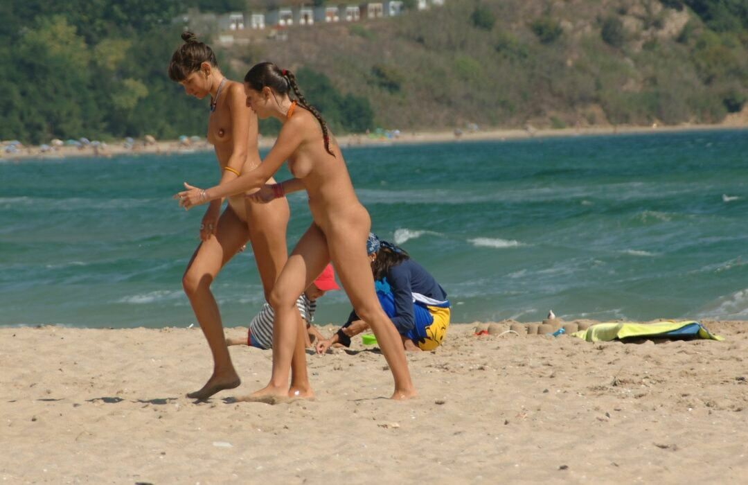 Nudists beaches photo (2) 10