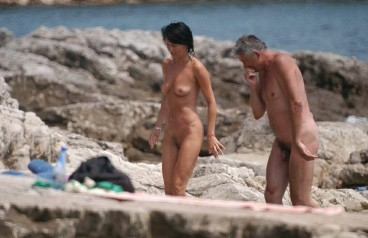 amateur nudists