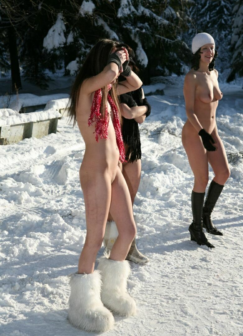 nudists are photographed in the snow 1