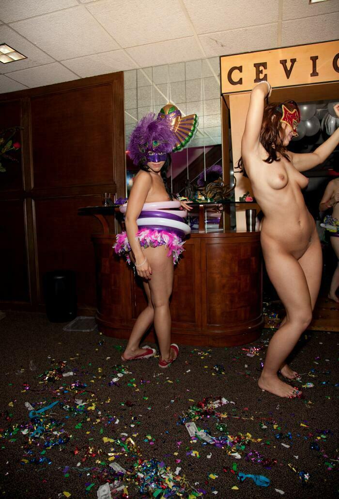 Nudist Pictures-Masquerade Entrance Arc12