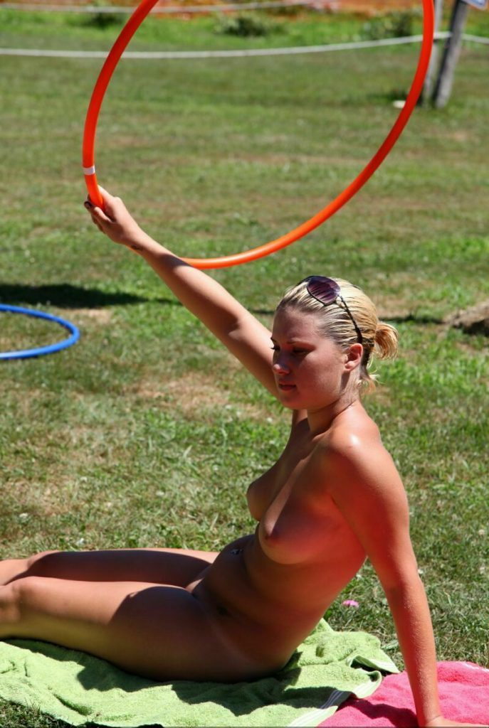 Naturist young girls nudists
